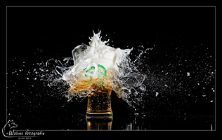 Kapot geschoten 3 oktober Heineken glas - Leids ontzet - high speed fotografie - Door: Ellen Reus - Wolves fotografie