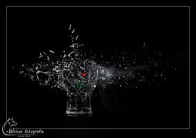 Biertje? - Kapot geschoten Heineken glas - high speed fotografie - Door: Ellen Reus - Wolves fotografie