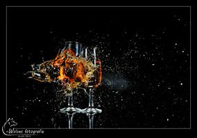 Kapot geschoten Champagneglazen - high speed fotografie - Door: Ellen Reus - Wolves fotografie