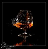 Kapot geschoten Cognacglas - high speed fotografie - Door: Ellen Reus - Wolves fotografie