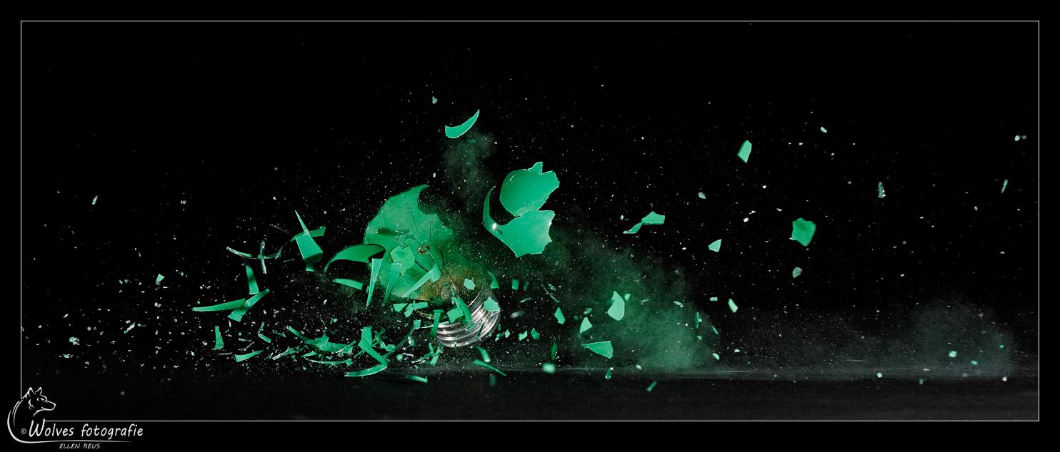 Raak! - Mijn eerste schot in het donker met mijn nieuwe buks - High speed fotografie - Door: Ellen Reus - Wolves fotografie